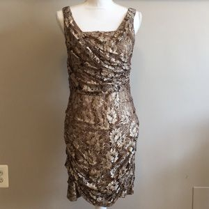 Dresses & Skirts - Gold lace dress
